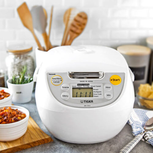 JBV-S Series Micom Rice Cooker With Tacook Cooking Plate lifestyle