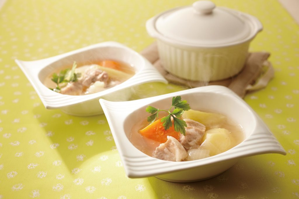 Pot-au-Feu (French Stew) - a healthy country French stew packed with veggies and pork. The best! #stewrecipes #comfortfood #winterfood #stews | Tiger USA