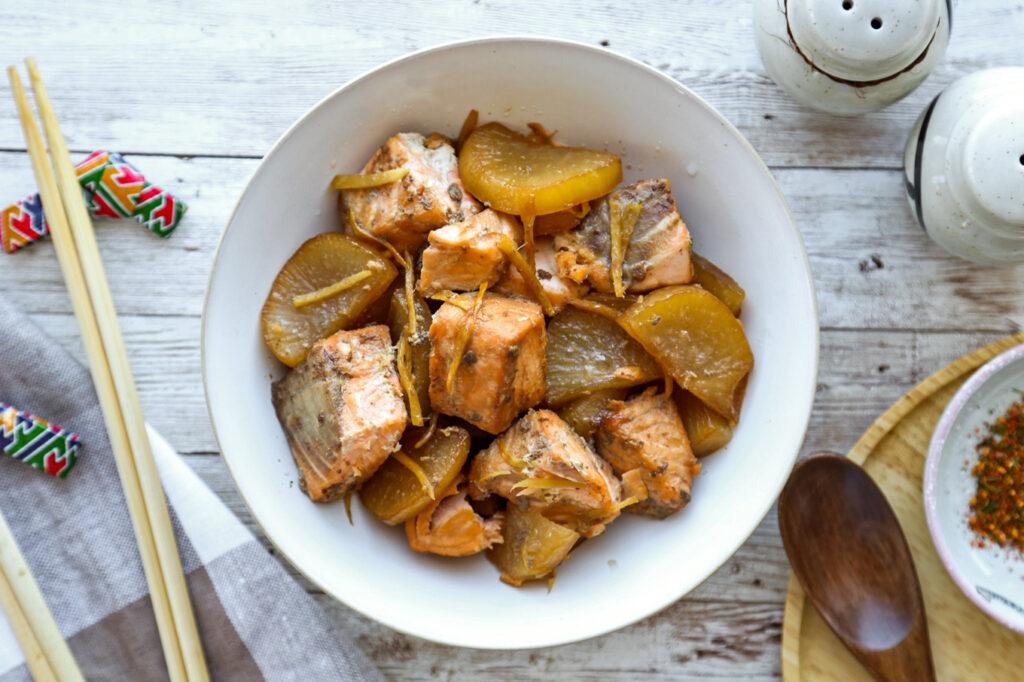 fish and daikon stew
